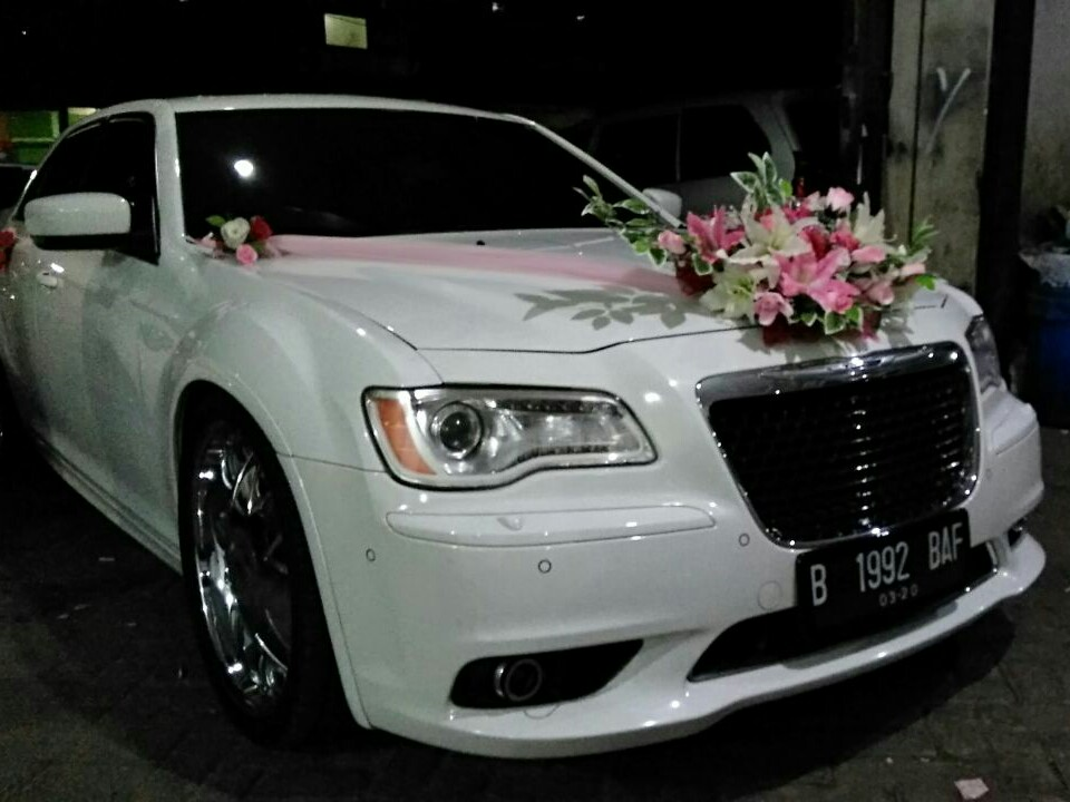 rental mobil chrysler, sewa chrysler, rental chrysler, sewa wedding car, rental mobil peng